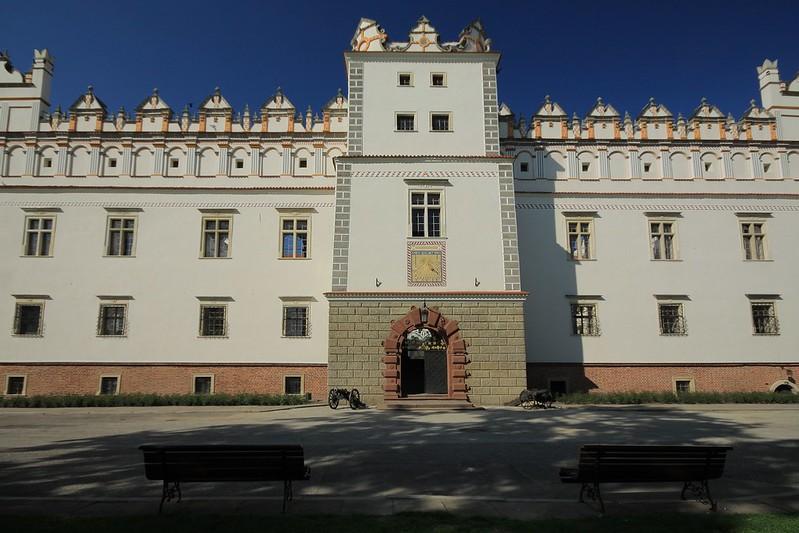 Zewnętrzna ściana zamku w Baranowie Sandomierskim
